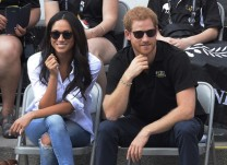 prince-harry-meghan-markle at a game